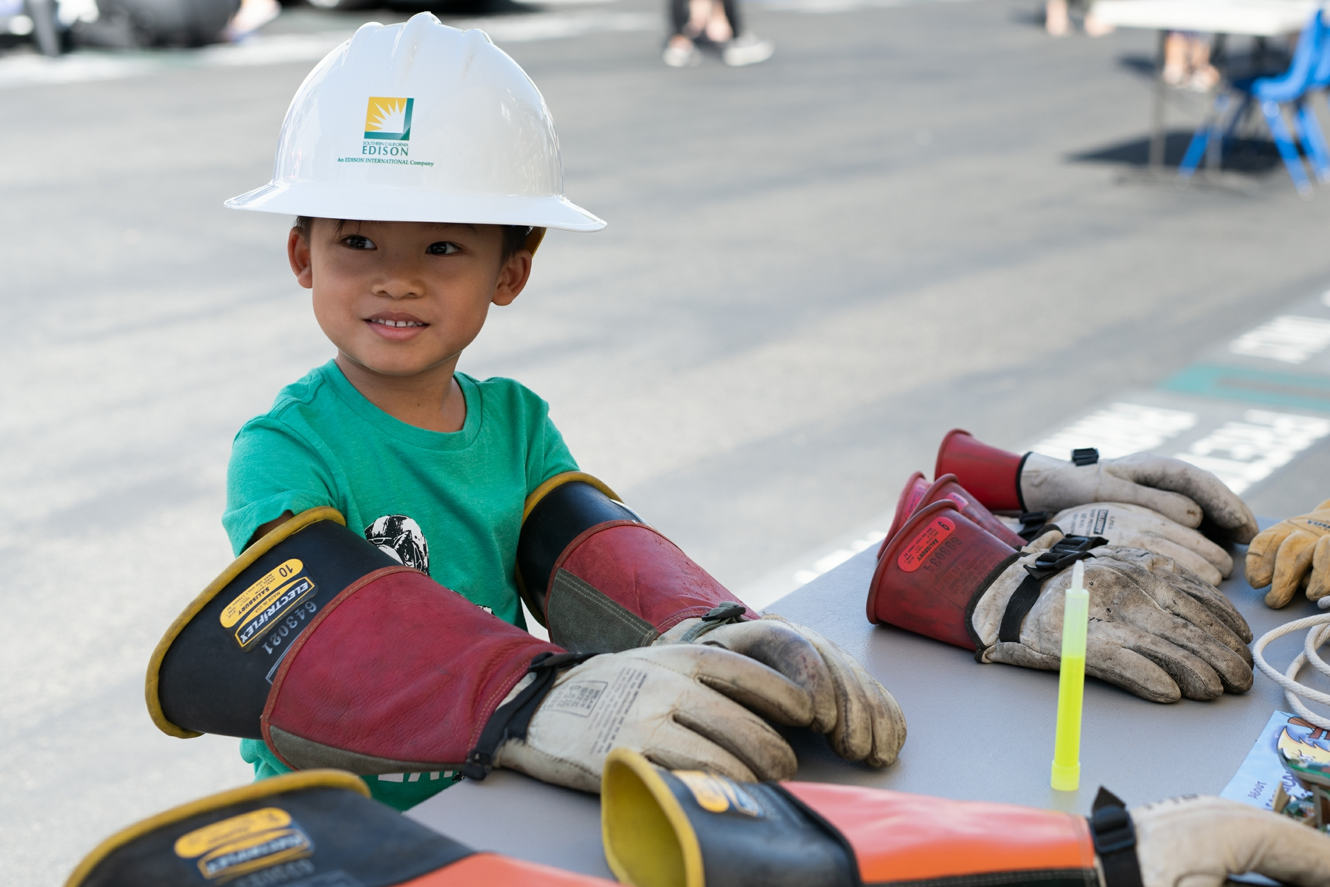Aaron learns all about being a linemen from SCE's Saddleback District Crew.