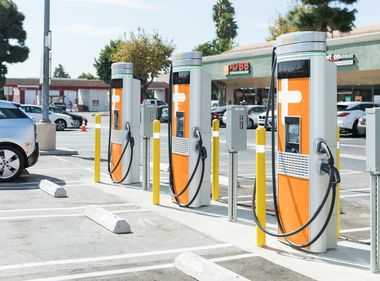 Koreatown Shopping Center Celebrates New Public EV Fast Charging