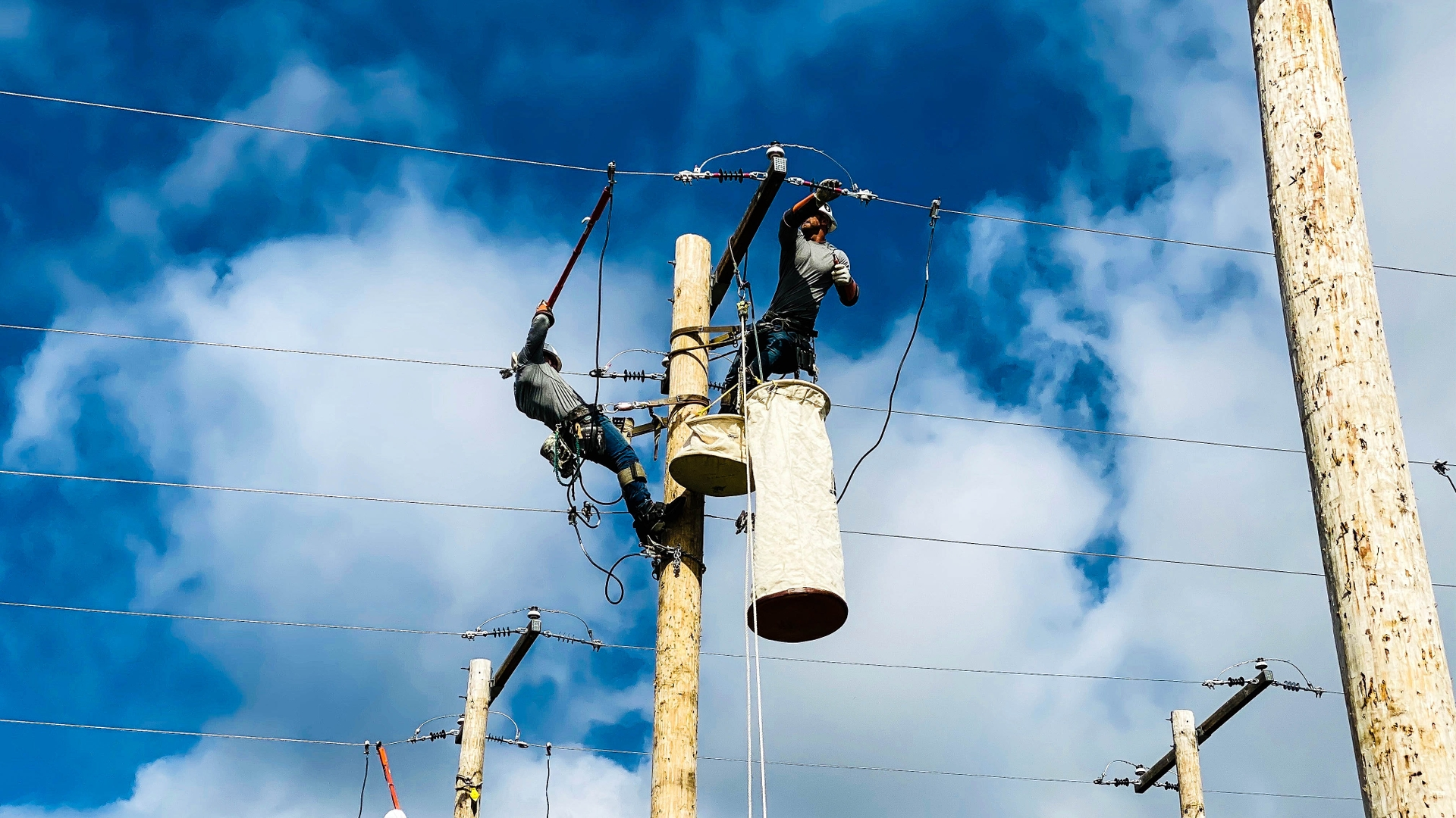 SCE linemen compete at the recent International Lineman's Rodeo.
