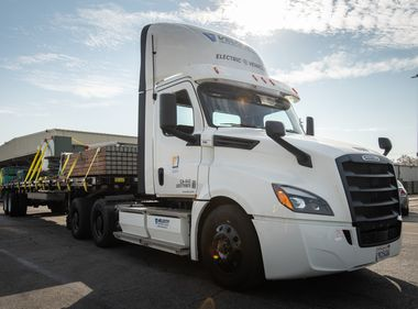 SCE Celebrates Arrival of New Electric Big Rig