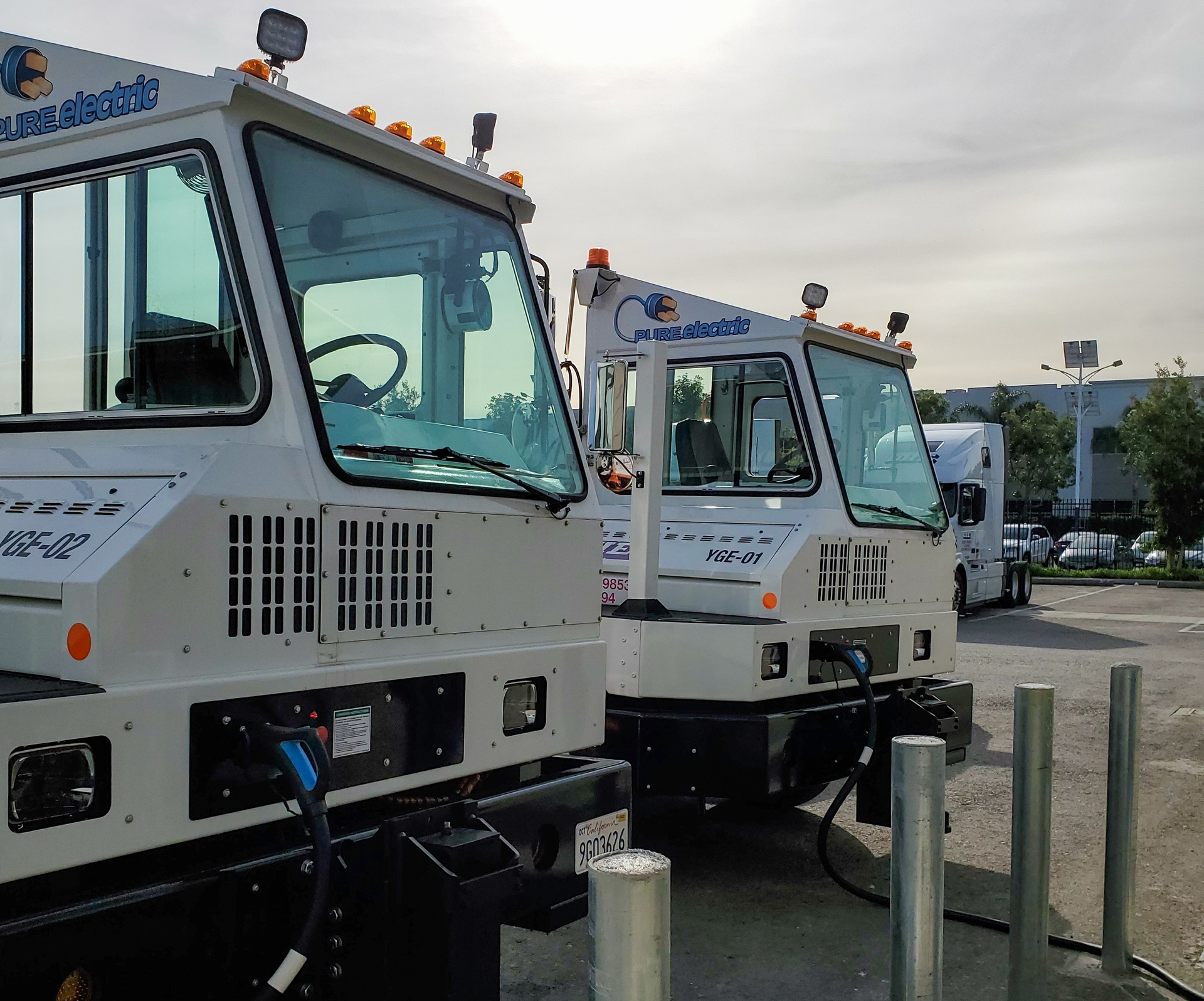 Dependable Highway Express is piloting two Orange EV electric yard trucks at its main terminal in Ontario. The company hopes to deploy more at its 10 other California facilities that stretch from Redding to San Diego.
