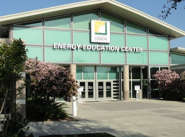 SCE's Online Courses Help Businesses Go Green