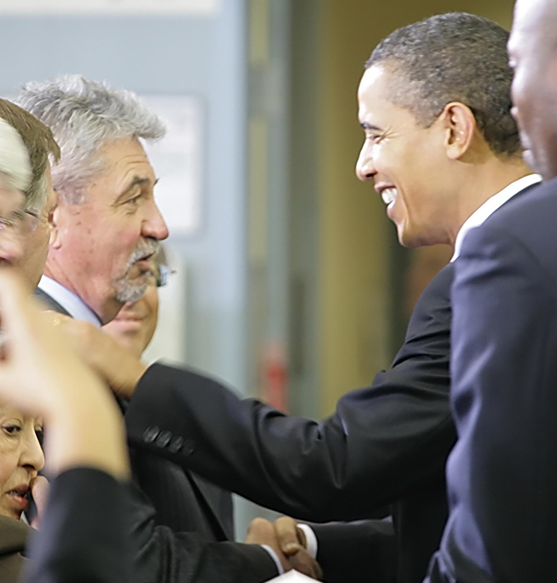 Pat Lavin meets former President Barack Obama at SCE's Pomona facility in 2009.