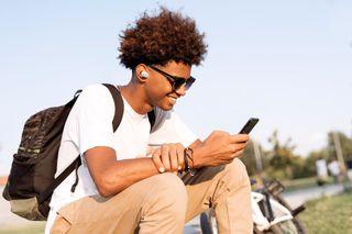 JBL lança ao mercado brasileiro os fones de ouvido Pure Bass livres de cabos