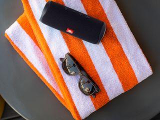 Flip 5 Towel Midnight Black