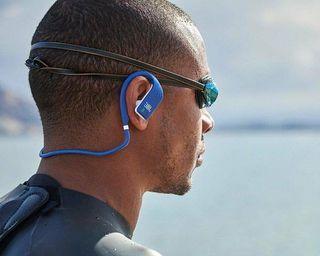 JBL Endurance é a nova linha de fones para os praticantes de atividades físicas