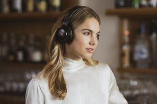 Série de fones de ouvido JBL® CLUB: inspirada nos profissionais e projetada para o dia a dia