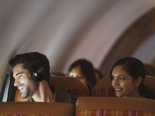 JBL_CLUB 950NC_Lifestyle Image_Noise Cancelling