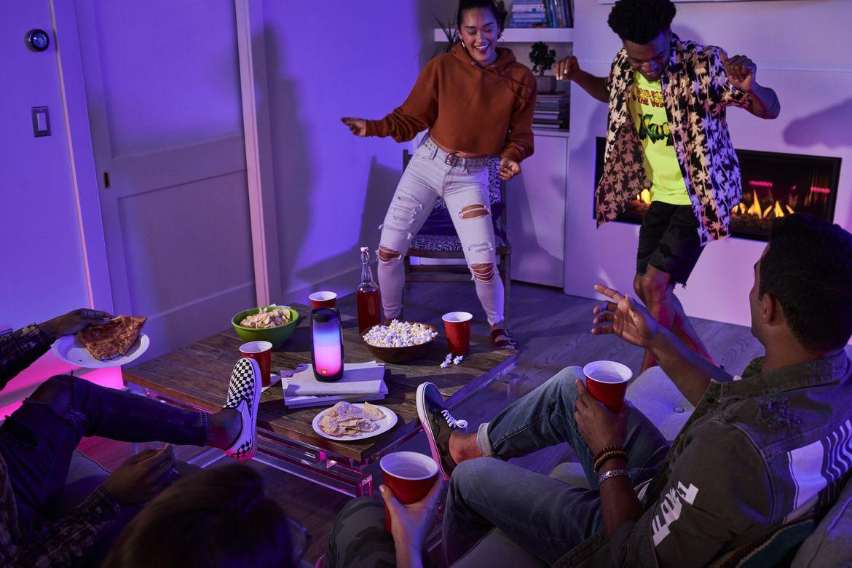 JBL Pulse 4 Living Room Party 2
