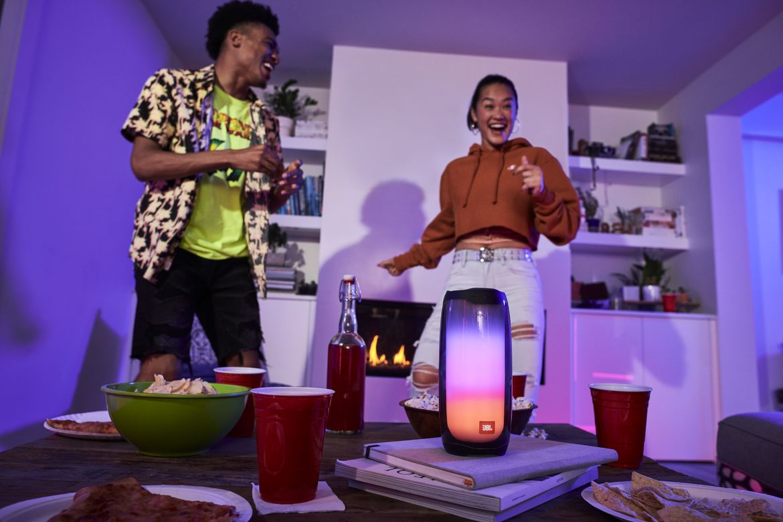 JBL Pulse 4 Living Room Party 5