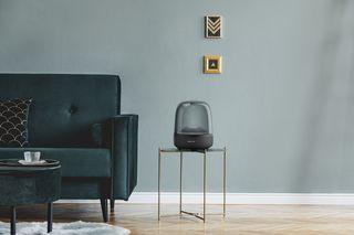 Harman Kardon Aura Studio 3, modernize a sua casa com o design icônico e qualidade superior do som Harman Kardon