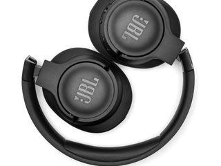 JBL_TUNE 7508TNC_Black_Fold 2