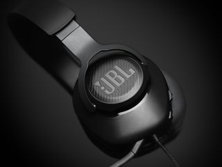 JBL_Quantum_100_Product Image_Black_Tight 03