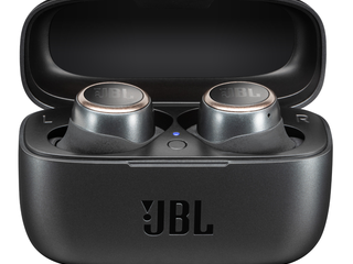 JBL_LIVE300TWS_ProductImage_Black_CasewithProduct