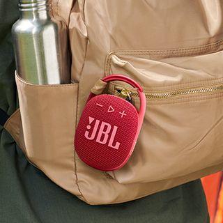 JBL Clip 4 é a caixa de som portátil para qualquer aventura