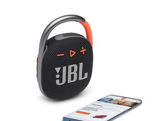 101664_JBL_CLIP4_HERO_PHONE_BLACK_ORANGE_x1