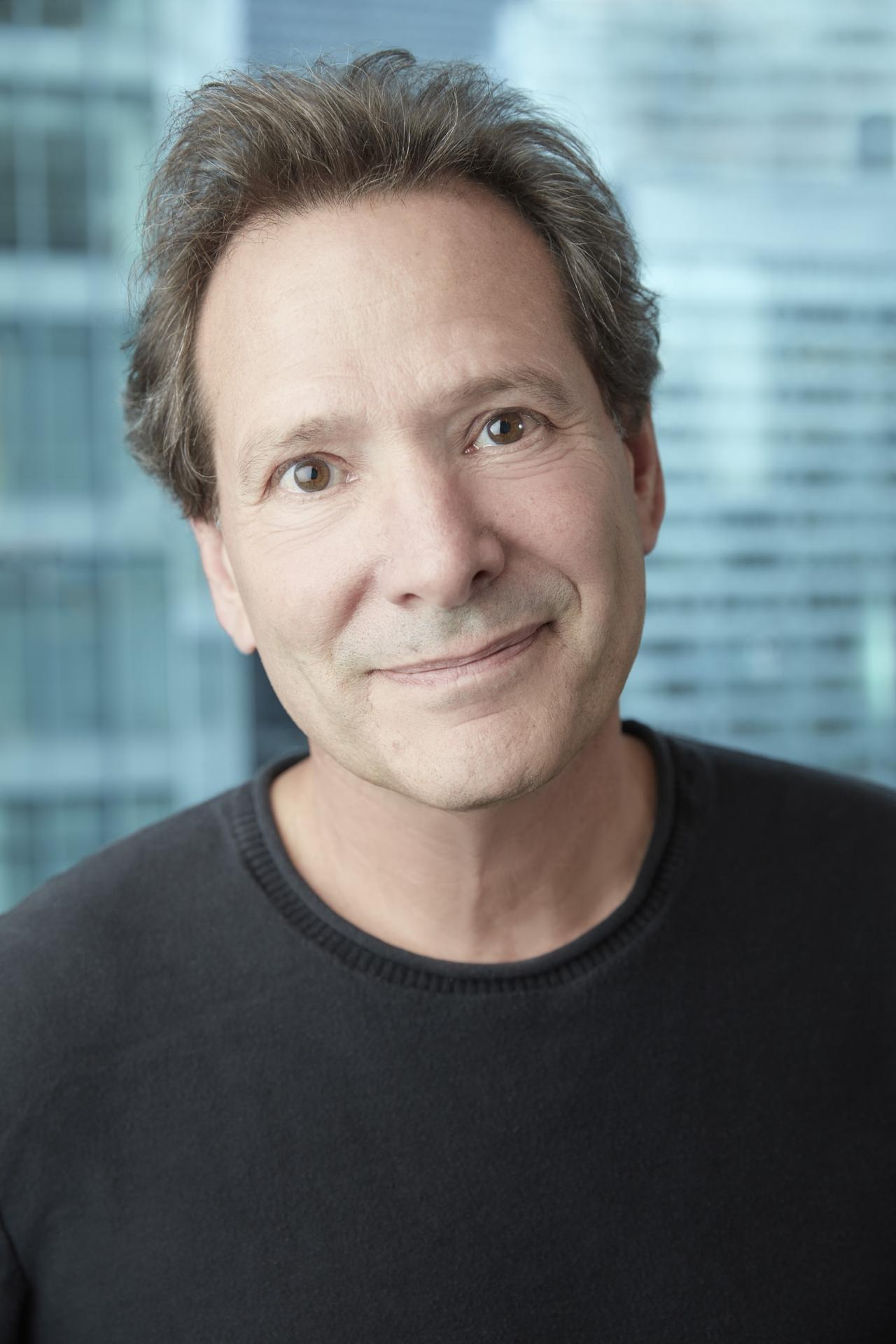 Daniel H. Schulman (headshot)
