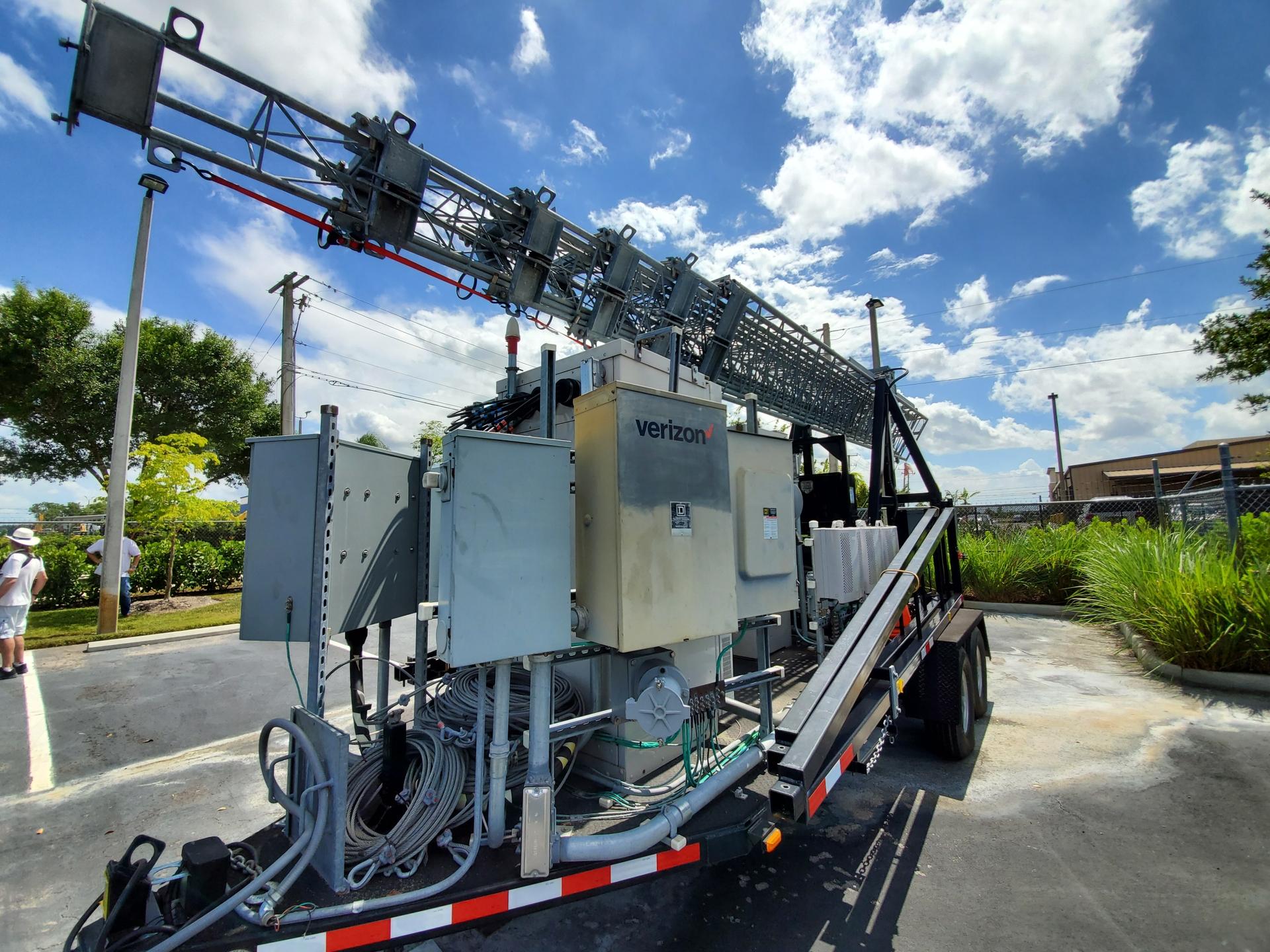 Verizon Response TOW (tower on wheels)