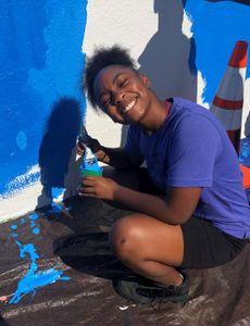 Blue Shield of California Promise Health Plan ofrece a los jóvenes del sur de Los Ángeles acceso a terapia artística comunitaria