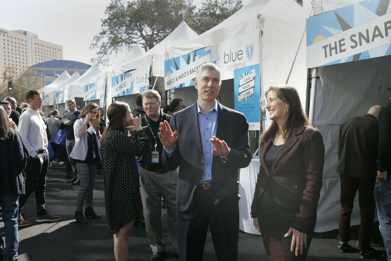 Blue Shield of California dona $500,000 al  Fondo de Ayuda de Oakland para el COVID-19