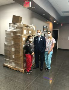 Blue Shield of California Promise Health Plan respalda a los proveedores médicos con artículos de protección personal durante la pandemia de COVID-19.