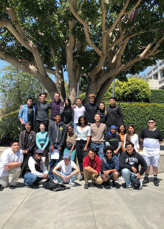 Blue Shield of California Promise Health Plan aporta casi $1 millón para la salud mental y el bienestar de los jóvenes del condado de Los Ángeles