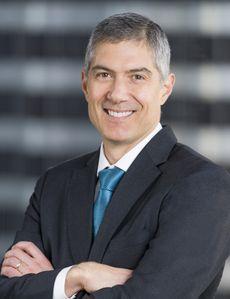 En las noticias: el presidente y director ejecutivo de Blue Shield of California habla con Al Punto California en Univision Noticias sobre los preparativos para cubrir la demanda de vacunas en California