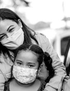 Cómo mantenerse seguro hasta que le llegue el turno de vacunarse