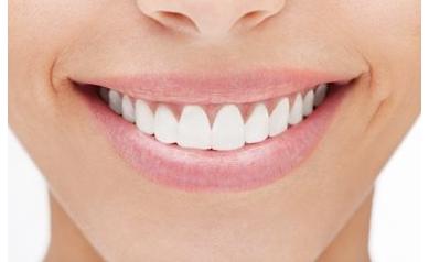DIY Teeth Whitening: Too Good to Be True?