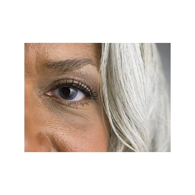 EyeCloseUpMidAge