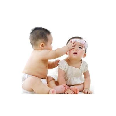 1338320893_Baby%20boy%20and%20girl_4447_2959x2959