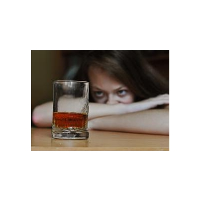 Study Pokes Holes in Fetal Alcohol Hypothesis