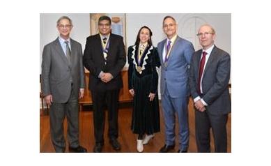 Entrepreneurs Fund Cardiac Surgery Professorship at University of Rochester