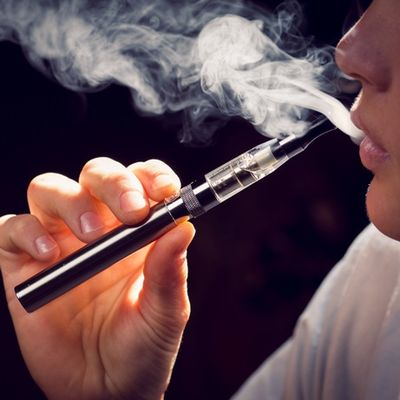 Researchers Find Nationwide Links Between Vaping and COVID-19