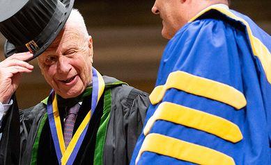 Seymour Schwartz, Author of 'the Surgeon's Bible,' Dies at 92
