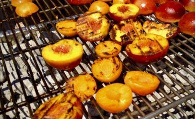 ckblg-grilled-peaches