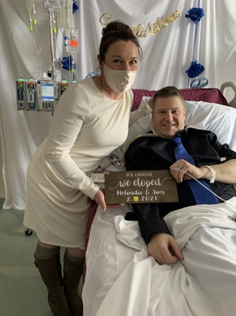 Couple weds in hospital while awaiting heart transplant