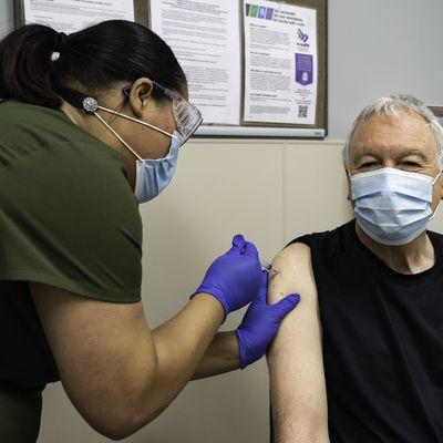 MS vaccincation clinic