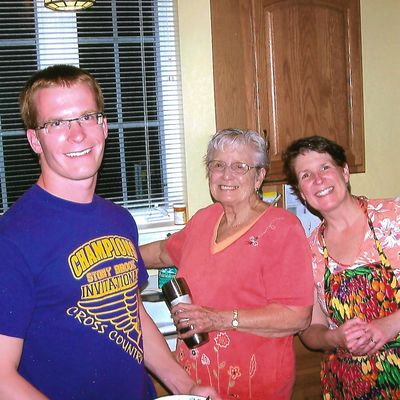 Juggling Care for Kids and Parents: Tips for Surviving in the Sandwich Generation