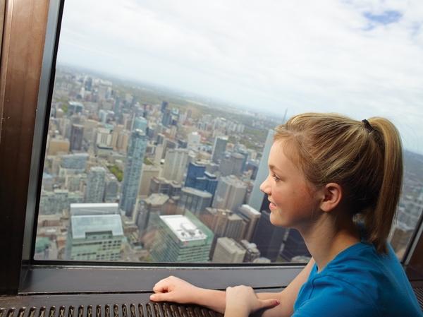 CN-Tower-ObservationDeck-3