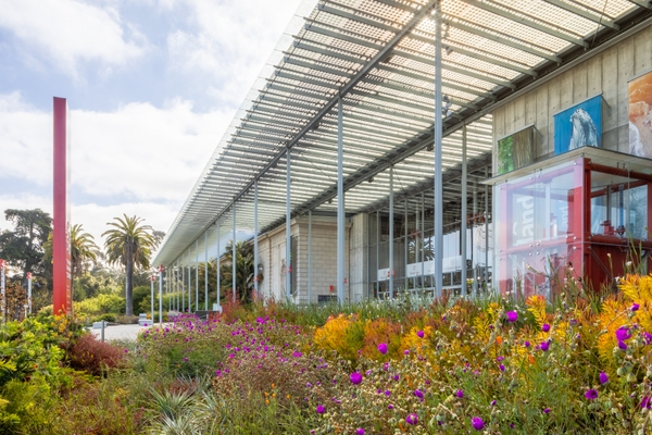 Exterior_2020_IMG_1153-HDR_Gayle Laird  California Academy of Sciences
