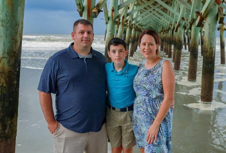 Cómo la cirugía de la epilepsia puso fin a la larga batalla de un adolescente contra las convulsiones