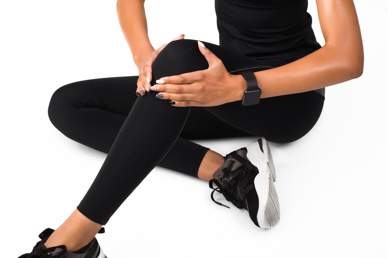 ¿Cómo puedo mantener mis rodillas fuertes y mantener la movilidad?
