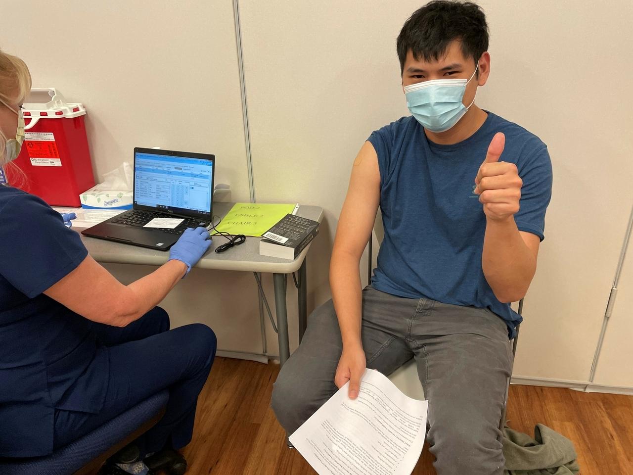 Reanudación de las vacunas de J&J COVID-19: Lo que necesita saber