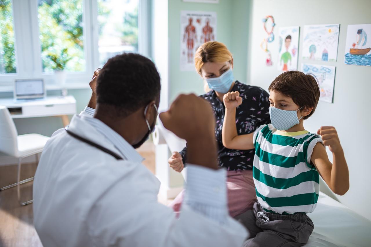 ¿El niño no se siente bien? Consulte a un médico de Novant Health en un plazo de 24 horas