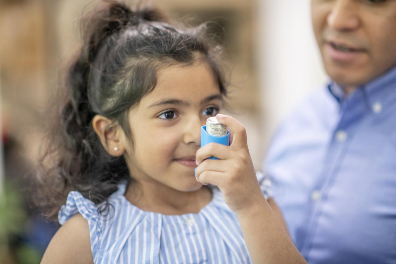 Lo último en tratamiento del asma para los niños