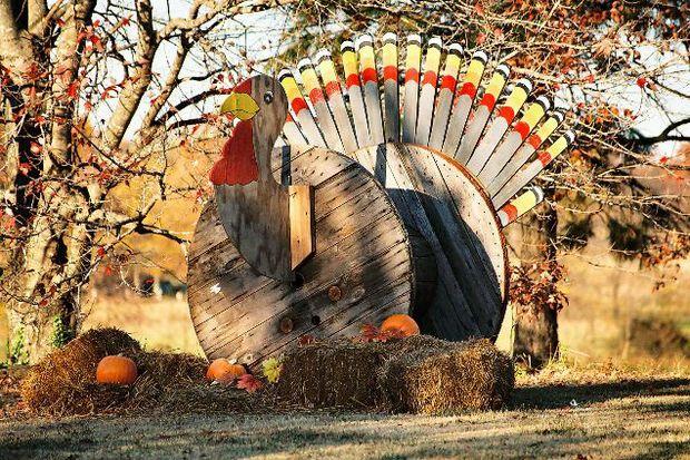 thanksgiving wooden crate turkey