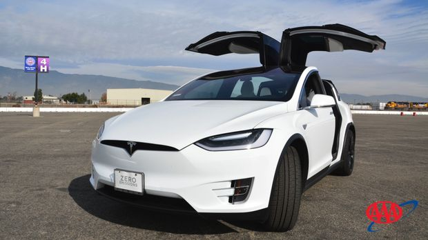 Tesla Model X - Doors Open Front