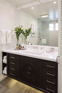 Fairmont Miramar Bungalow One - Entry Bath