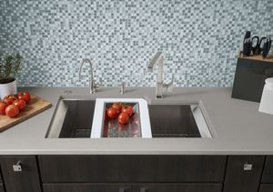 ROHL RGK Stainless Steel Kitchen Sink with QuartilePullDown Kitchen Faucet_3